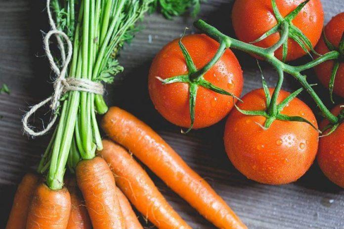 Какие витамины содержат морковь и томаты