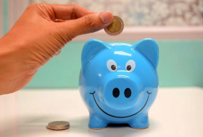 Перестать тратить деньги и начать копить при скромных доходах