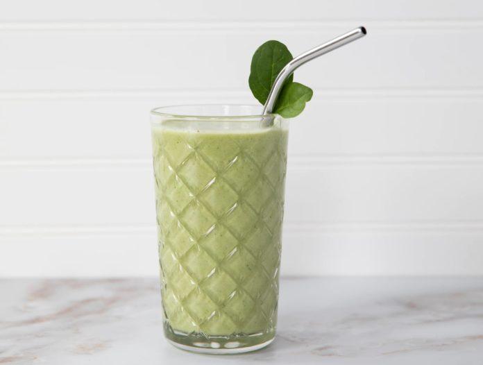 Зелёный смузи для очищения организма и похудения