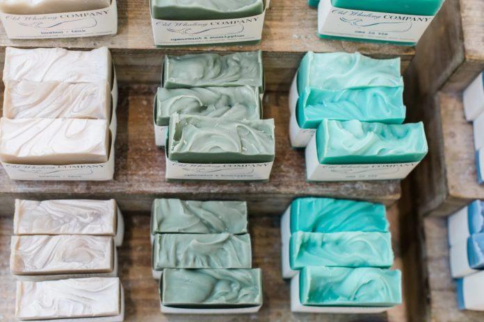 Как производят мыло