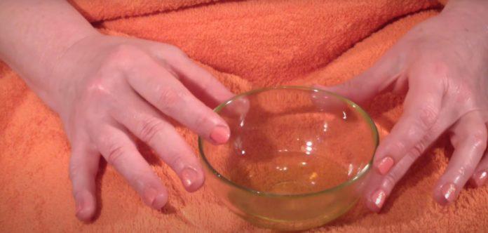 Ванночка с медом и яйцом